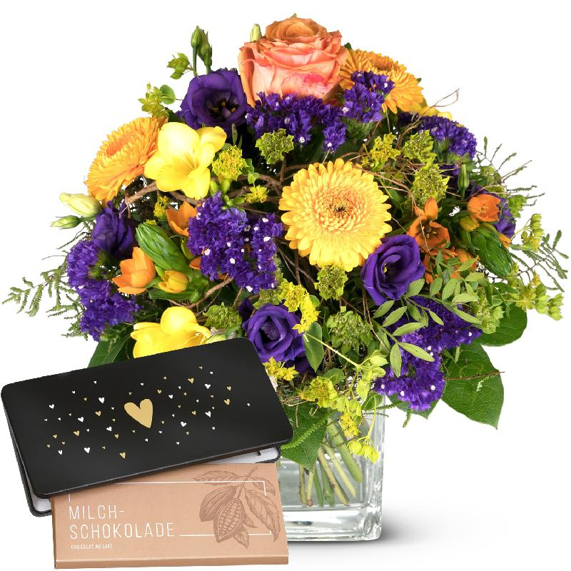 Bouquet de fleurs Magic of Spring with bar of chocolate «Heart»
